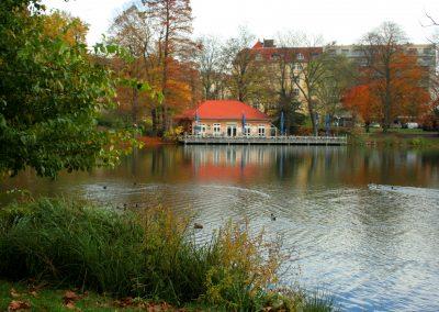 Lietzensee Bootshaus Herbst SprachenGalerie