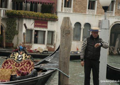 SprachenGalerie in Venedig 2017 Herbst Gondelfahrt